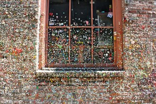 800px-Seattle_Gum_Wall
